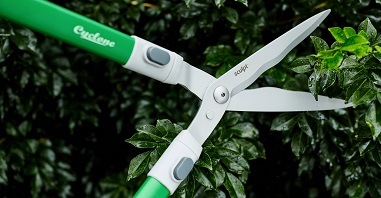 PRUNING & TRIMMING TOOLS ()